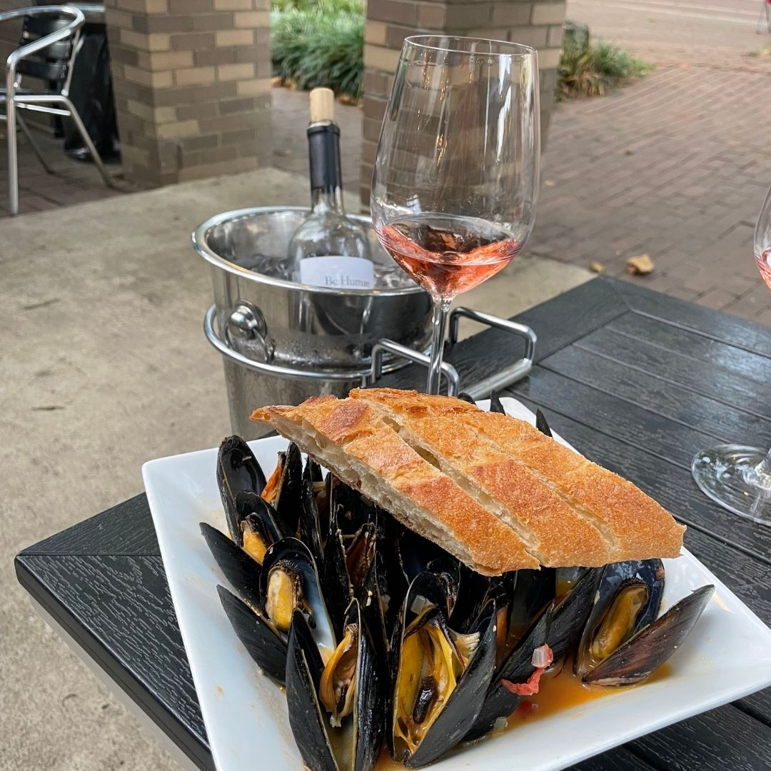 PEI muscles and wine